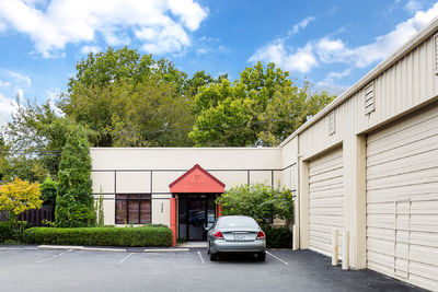 Frankfort Avenue Office Space with Parking - For Lease